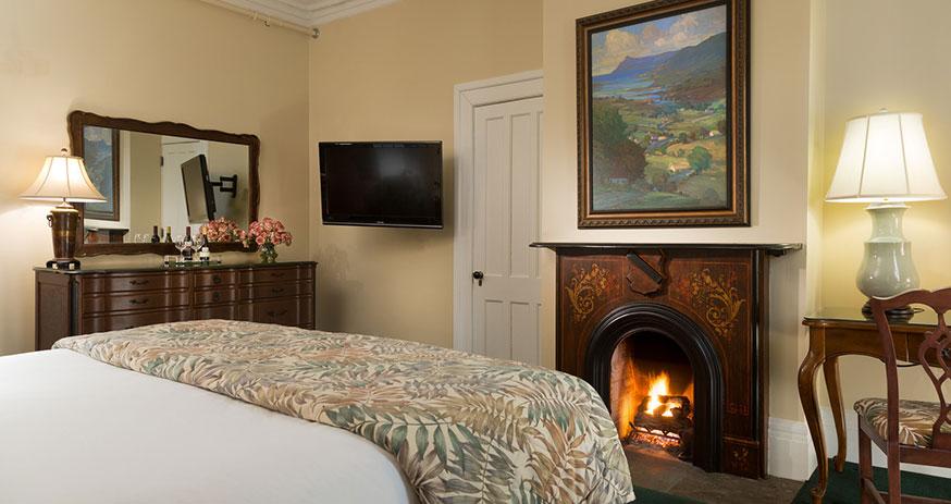 Saratoga_Arms-Rooms-205-06