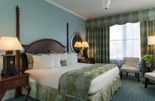 Saratoga, NY hotels with King rooms