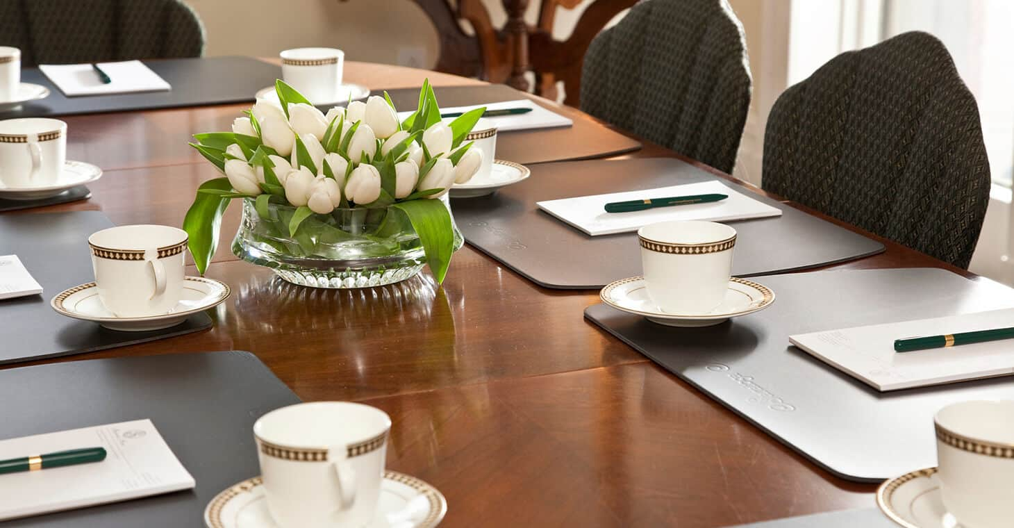 Host your meeting at our Saratoga Springs Hotel