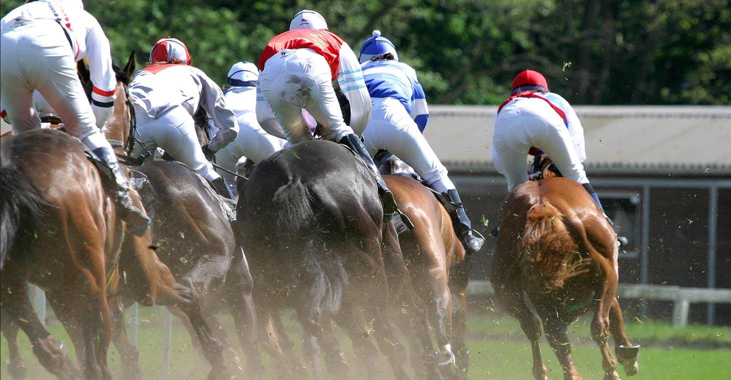 Horse racing at Saratoga Springs NY