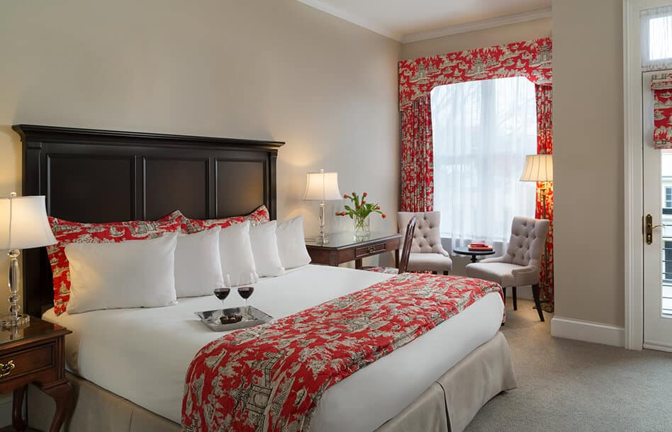 Room 210 - Boutique Hotel in Upstate New York
